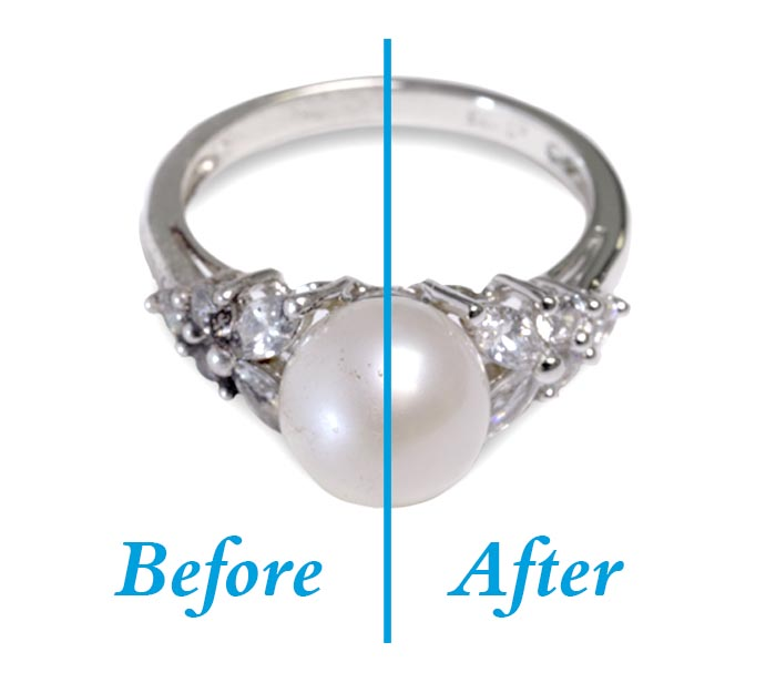 Before and after of a ring that was cleaned with kingswood private label jewelry cleaners